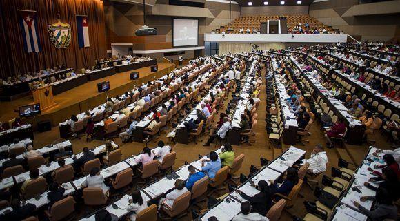Priorizarán diputados cubanos tema de la vivienda