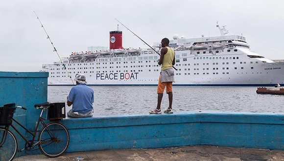 Barco por la Paz tocará puerto cubano el próximo 17 de julio