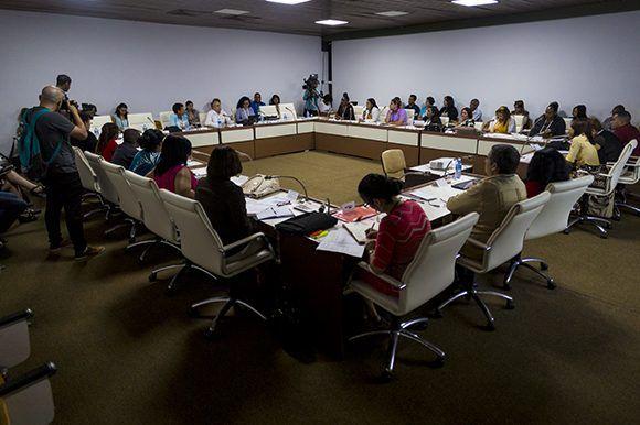 Analizan diputados cubanos temas prioritarios para el país