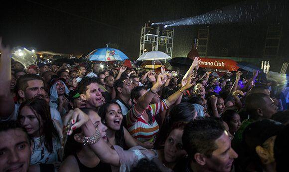 Cantante italiana Laura Pausini expresa su alegría de haber actuado en Cuba