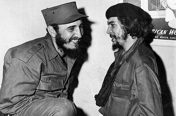 Primer encuentro de Fidel y Che desde la salida de las columnas invasoras de la Sierra Maestra y luego del triunfo revolucionario en Camagüey, 5 de enero de 1959. Foto: Sitio Fidel Soldado de las Ideas.