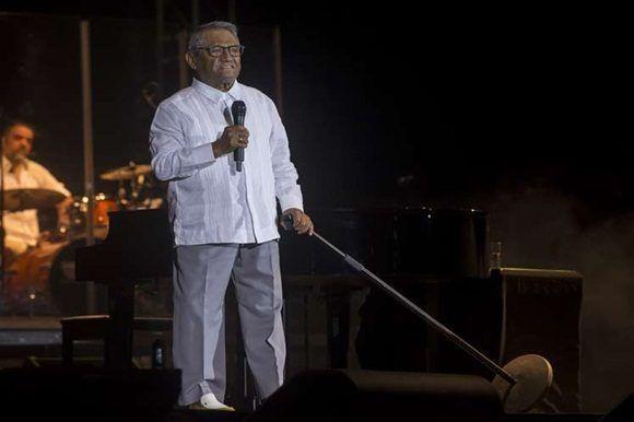 Armando Manzanero cautivó al público cubano durante concierto en La Habana