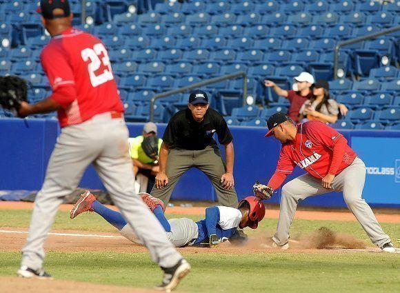 Cuba perdió dos partidos en el béisbol de los Juegos Centroamericanos y del  Caribe y terminó en plata. Foto  Ricardo López Hevia  Granma  Cubadebate. 2f1f480d9d3