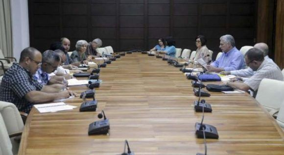 Presidente cubano chequea áreas estrategicas de la economía