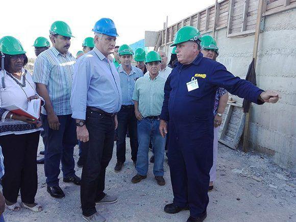 Continúa presidente cubano recorrido por Matanzas