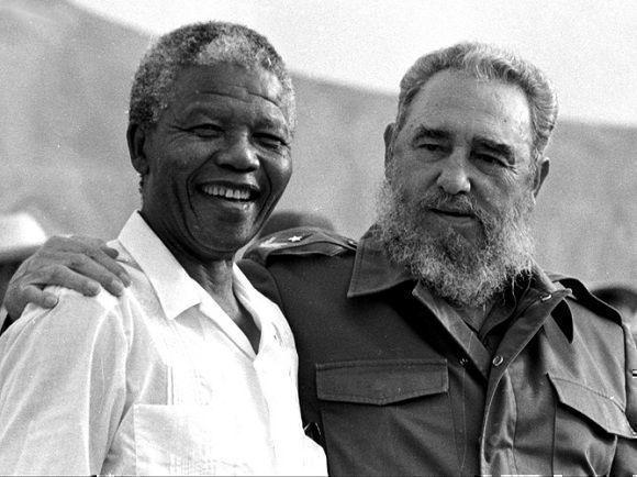 Fidel Castro con Nelson Mandela en el acto por el 26 de Julio, 26 de julio de 1991, Foto: Liborio Noval / Sitio Fidel Soldado de las Ideas