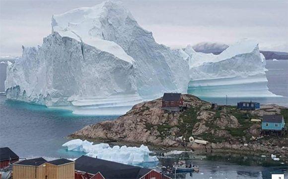 Enorme iceberg a la deriva en Groenlandia: Asombro y alarma