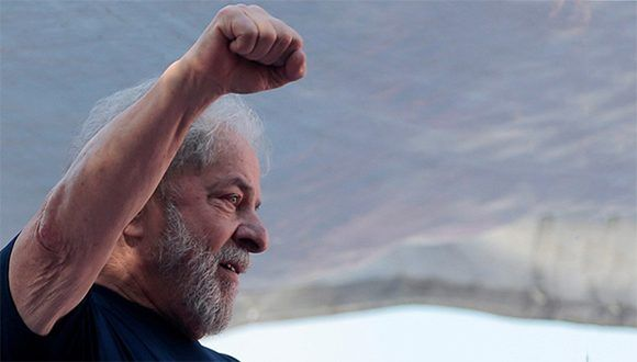 Juez brasileño cancela orden de liberación de Lula y lo mantiene preso