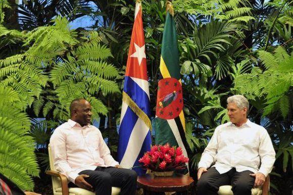 Recibió presidente cubano a primer ministro de Dominica