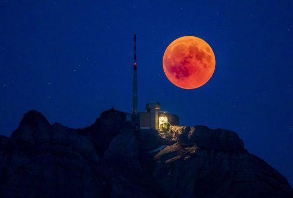 ¿Cómo se vio el eclipse lunar más largo del siglo XXI?