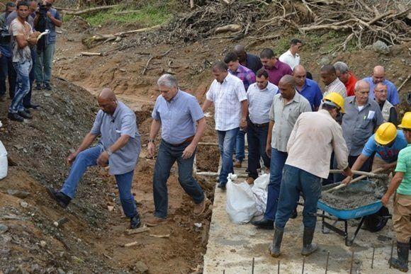 Presidente cubano recorre poblados del Escambray villaclareño