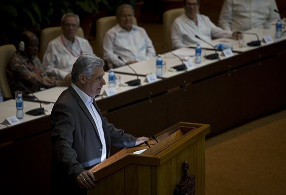 Realza Díaz-Canel la unidad como el mejor homenaje a Fidel Castro