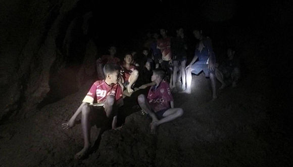 Libro revela la supuesta mentira sobre los niños rescatados en Tailandia