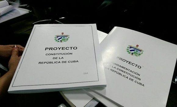 Reparten 700 mil ejemplares del proyecto nueva Constitución — Cuba