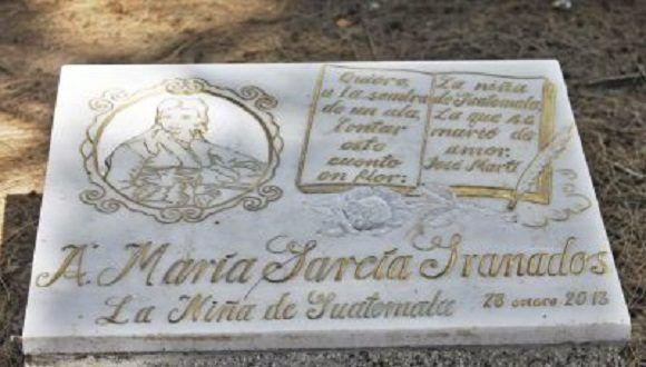 En el 2013, aniversario 160 del nacimiento de José Martí, la Embajada de Cuba en Guatemala develó una placa conmemorativa a la Niña de Guatemala, dicen que es muy visitadas por jóvenes que piden ayuda a La Niña, acerca de situaciones amorosas. Foto: el guatemalteco.com