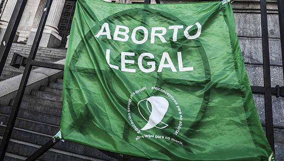 Rechaza Senado argentino ley de despenalización del aborto