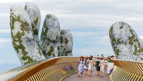 [FOTOS] Inauguran espectacular puente a 1.400 metros de altitud en Vietnam