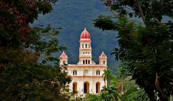 Construcción de hoteles y otras obras beneficia a poblado de El Cobre, en Santiago de Cuba