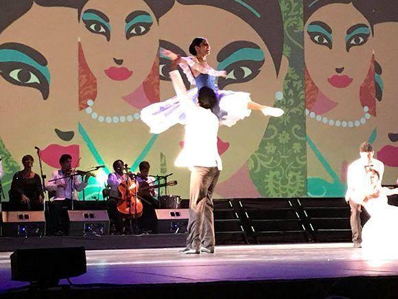 Compañía cubana de Lizt Alfonso estremece al Auditorio Nacional mexicano