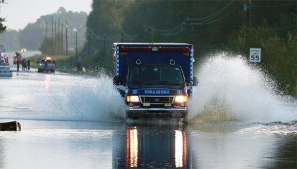 Florence deja 23 muertos a su paso por Las Carolinas