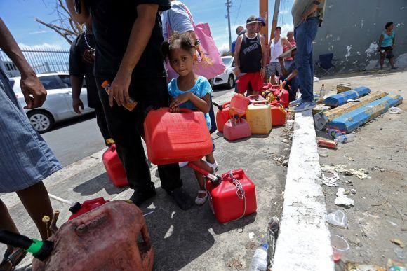 Rechaza Trump cifra de muertos por huracán María