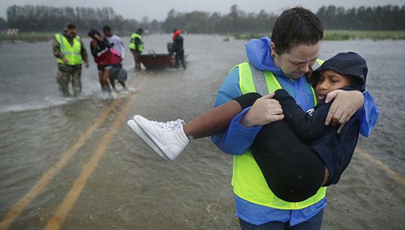 Al menos cinco muertos y destrucción, el saldo de Florence en Estados Unidos