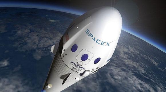SpaceX anuncia acuerdo con primer turista que viajará a la luna