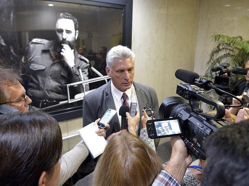 Díaz-Canel: Felicitaciones a los periodistas que han defendido razones y verdades
