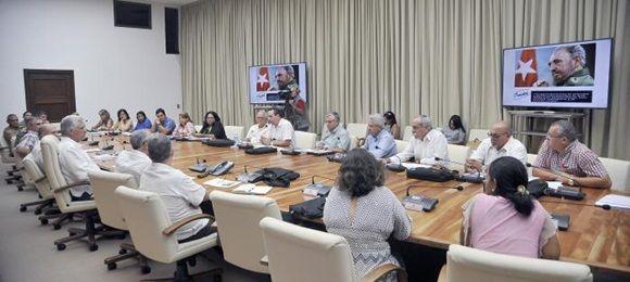 Examina Díaz-Canel Bermúdez situación actual de la Salud Pública en Cuba