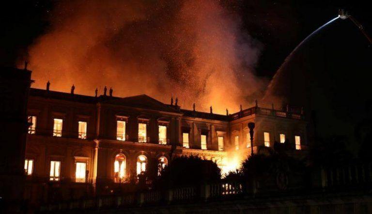 Negligencia detrás del destructivo incendio del Museo Nacional de Brasil