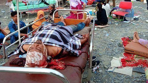 Se elevan a 384 los muertos tras el terremoto y tsunami en Indonesia