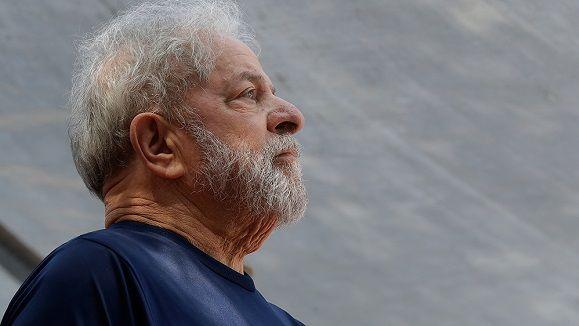 Crece la solidaridad con Lula tras decisión de la corte electoral