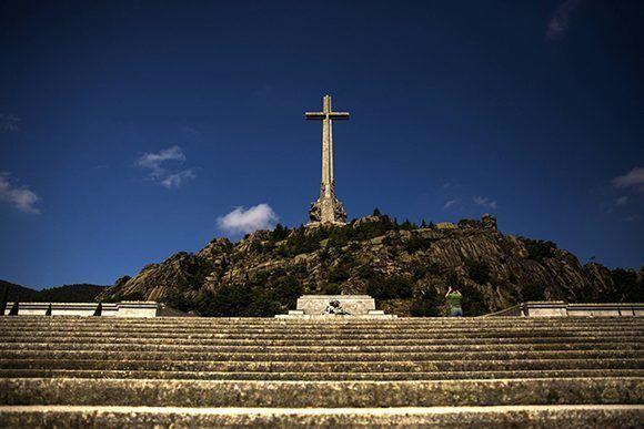 Dos diputados del PP votan en contra de la exhumación de Franco