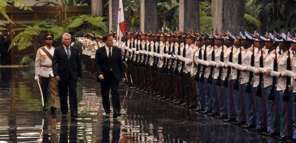 Presidente cubano recibe a su homólogo panameño