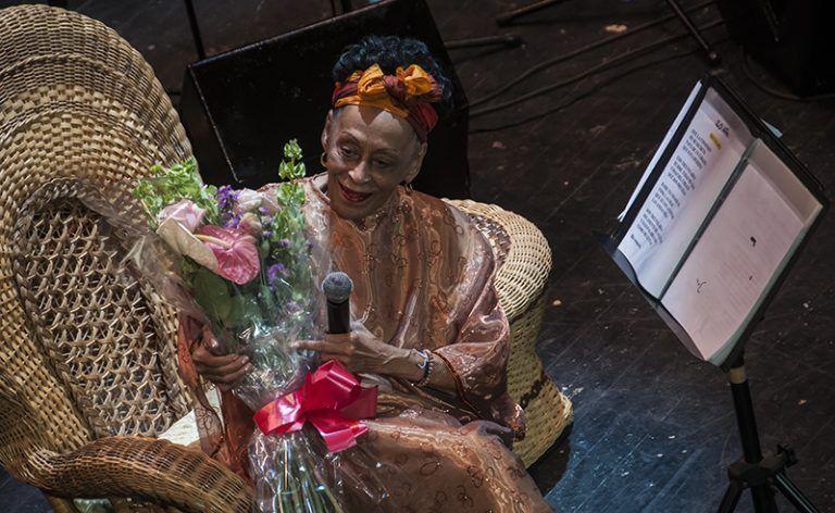 Díaz-Canel felicita a cantante Omara Portuondo por su cumpleaños