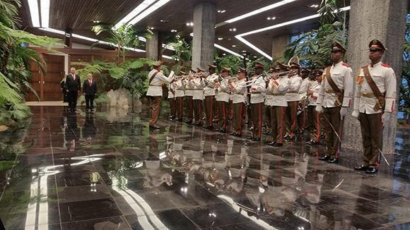 Díaz-Canel recibe al presidente de El Salvador en La Habana