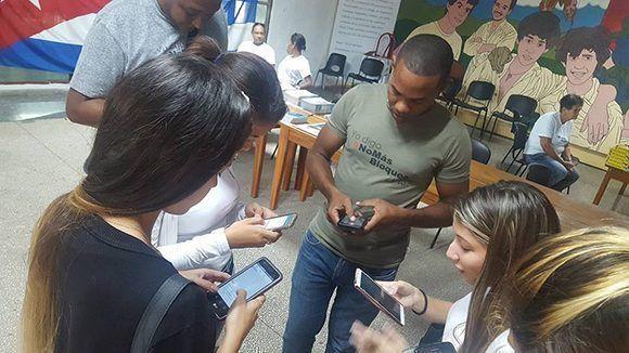 """Los universitarios desatan el """"avispero"""" desde la Universidad Tecnológica de La Habana. Foto: Jorge Legañoa Alonso/ Facebook."""
