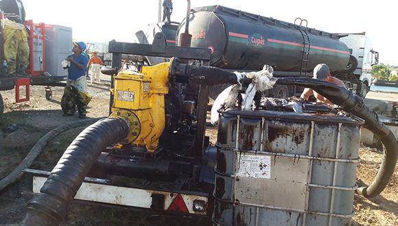 Controlan derrame de petróleo en zona industrial de Matanzas (+Fotos)