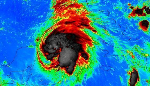 Trece muertos en centro América por huracán Michael