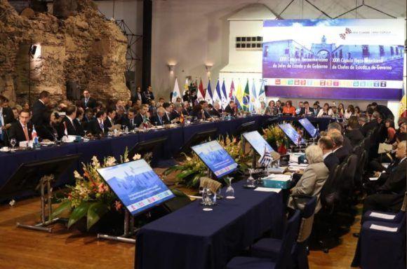 Piden fin del bloqueo de Estados Unidos contra Cuba en Cumbre Iberoamericana