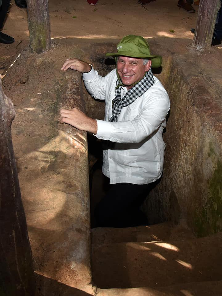Presidente cubano visita legendarios túneles de la guerrilla en el sur de Vietnam (+ Fotos)