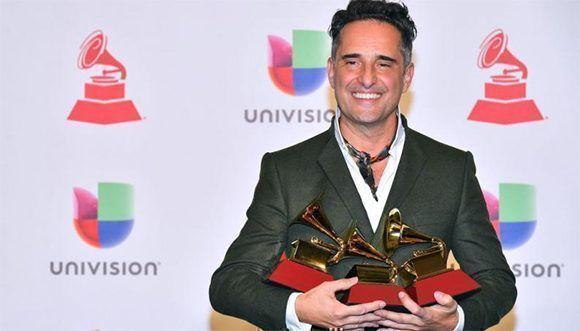 Drexler, el humilde cantautor que derrotó a J. Balvin y destronó al reggaeton en los Grammy