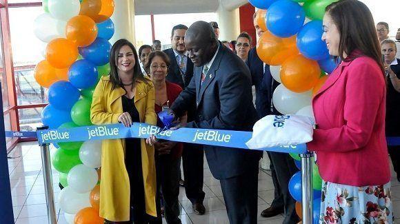 Inauguran vuelos comerciales entre La Habana y Boston, EE.UU