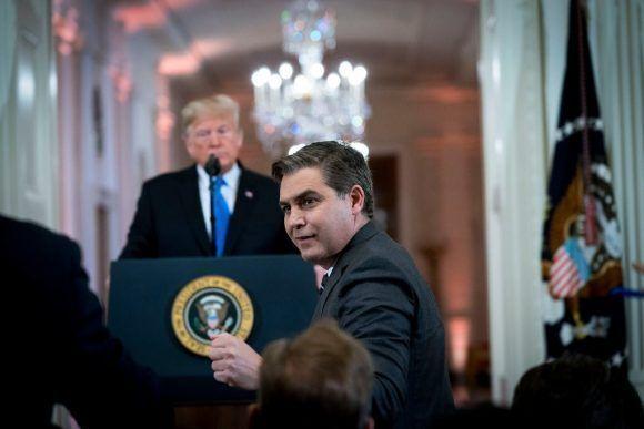 Trump pierde juicio contra la CNN y deberá restaurar pase de prensa a Jim Acosta
