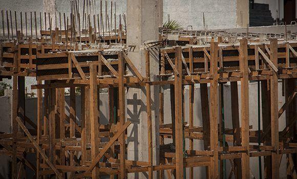 Construcción en Cuba: Prioridad a las inversiones, sin descuidar programas sociales