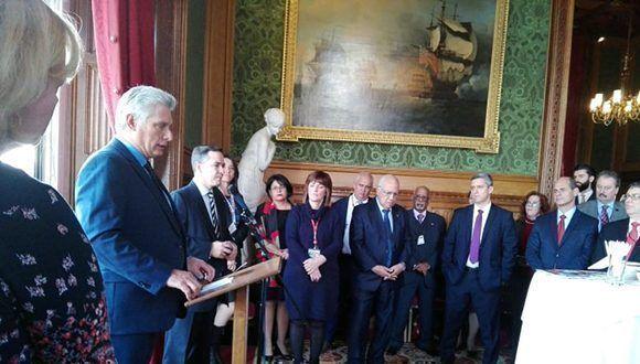 """Díaz-Canel intercambia con parlamentarios británicos y representantes de """"Iniciativa Cuba"""""""