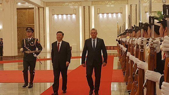 Sostienen encuentro oficial presidentes de Cuba y China