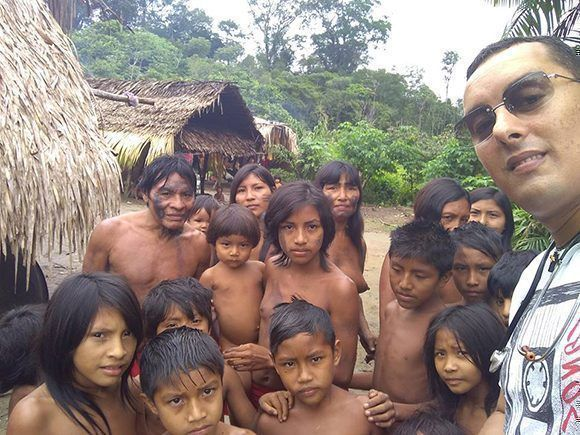 Since 2016, Dr. Arnaldo Cedeño Núñez has been working with indigenous children from the Apalai Waiana ethnic group in Brazil. Photo: Courtesy of Dr. Arnaldo Cedeño Núñez.