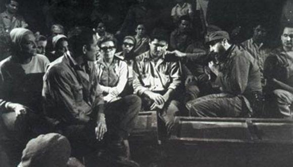 Díaz-Canel felicita a Teatro Escambray por sus 50 años de labor