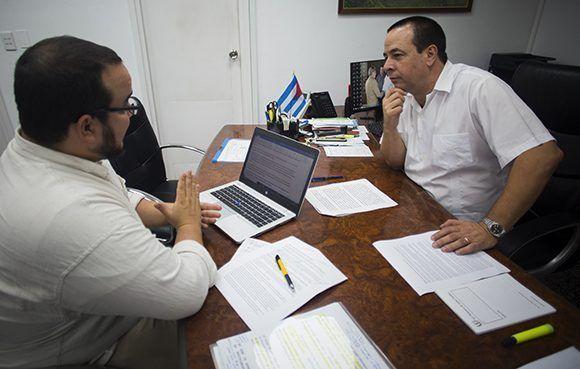 Mientras algunos utilizan el dinero público para salvar bancos, Cuba salva vidas